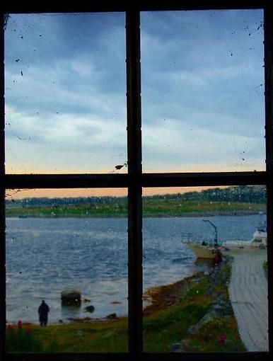 гляжу на беломорье из окна скита андреевского
