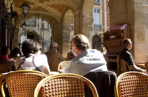 Любимое кафе Жоржа Сименона на Place des Vosges