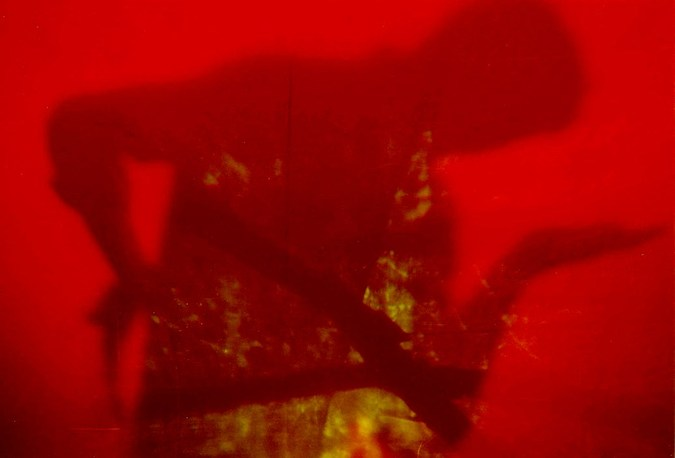 Гук Александр_световая проекция, тень_1999.jpg