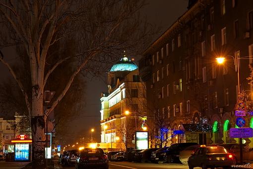 Город ночной.