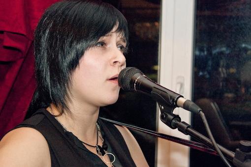Группа Добрый Шубинъ - вокалистка Алиса Крыша