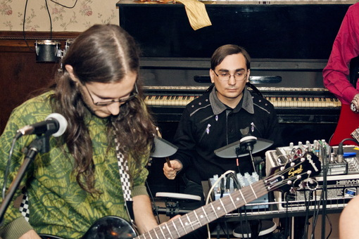 Группа Добрый Шубинъ - Михаил Крюков гитарист